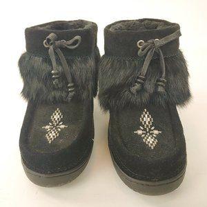 Manitobah MukLuks Black Mid/Ankle Height Women's 8